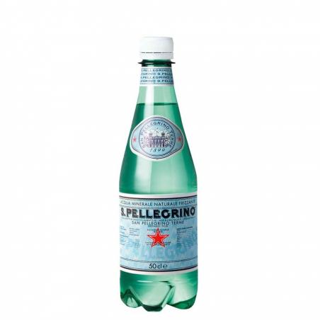 L'eau gazeuse minérale naturelle San Pellegrino 50cl est idéale pour sublimer vos pauses repas.